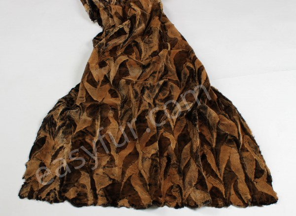 Mink Fur Plate in Snow Top - beige brown