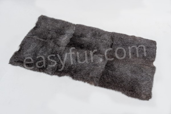 Rabbit Fur Plate in gray with white tips