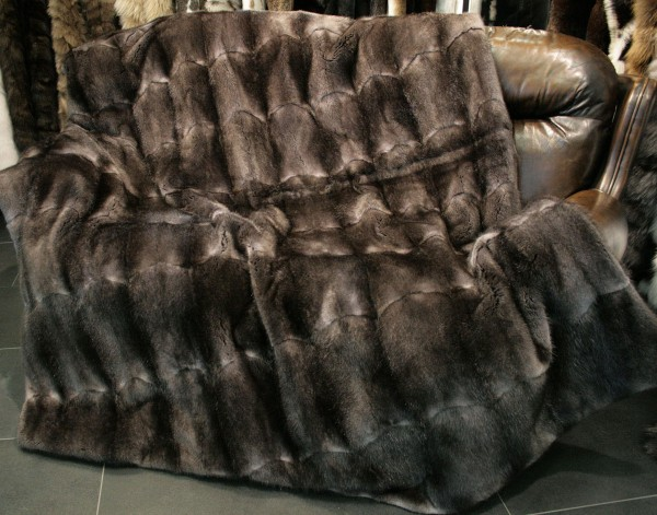Grey Muskrat Dewlap Fur Throw